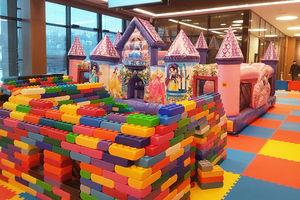Детская игровая зона на ледовом шоу Золушка