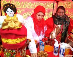Угощения на Масленицу в посёлке Лунево